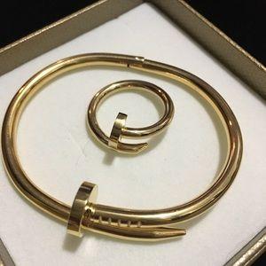 Fashion jewellery nail inspired